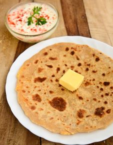 Free Indian Parantha &x28;stuffed Indian Bread&x29; Stock Photography - 34203242