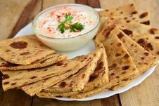 Free Indian Parantha &x28;stuffed Indian Bread&x29; Stock Photo - 34203410