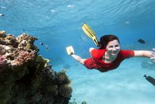 Free Young Woman In Red Dress Underwater Stock Photography - 34219432