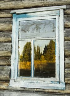 Free Forest Reflection In The Window Stock Images - 34273594