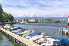 Free Lake In Geneva Royalty Free Stock Photos - 34284908