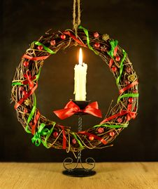 Free Christmas Wreath With Candle Royalty Free Stock Image - 34288966