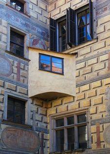 Free Windows Of Czech Krumlov Royalty Free Stock Image - 34297576