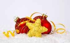 Free Baubles And Star Royalty Free Stock Photography - 34297927