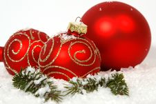 Free Red Christmas Balls Royalty Free Stock Images - 34298119