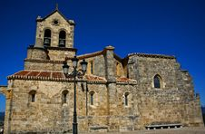 Free Spanish Romanic Church Stock Image - 3433281
