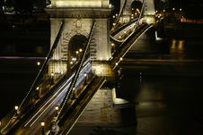 Free Chain Bridge In Budapest Royalty Free Stock Image - 3433356