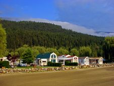 Free Waterfront Houses, BC, Canada Royalty Free Stock Images - 3433839