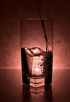 Free Water  Pouring Into Glass Royalty Free Stock Photos - 3435068