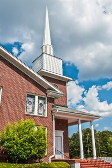 Free Exterior Of Modern American Church Royalty Free Stock Photos - 34310008