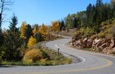 Free Mountain Road Royalty Free Stock Image - 34328646