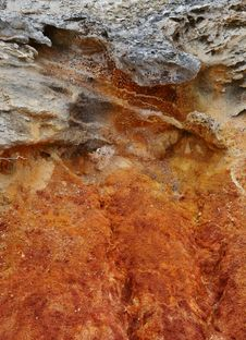 Free Red Sandstone Formation Royalty Free Stock Image - 34339696