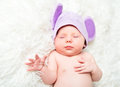 Free Cute Newborn Baby Sleeps In A Hat With Ears Royalty Free Stock Photo - 34347345