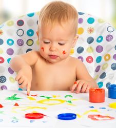 Free Happy Child Draws With Colored Paints Hands Royalty Free Stock Photography - 34347177