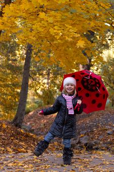 Free Little Girl With Umbrella Stock Image - 34374711