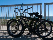 Free Beach Bicycles Santa Cruz California Stock Image - 34377471