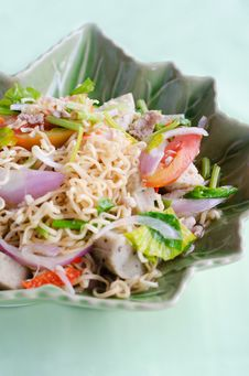 Spicy Salad With Pork, Tomatoes And Noodle Stock Photography