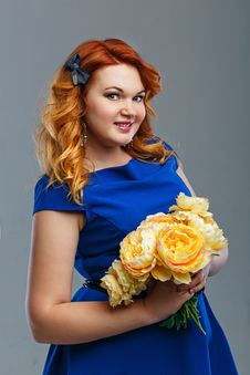 Free Girl With Flowers Royalty Free Stock Photos - 34383428