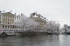 Free Zurich And Limmat River Royalty Free Stock Image - 34389136