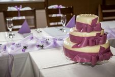 Free Wedding Cake Stock Photo - 34397240