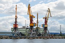 Free Container Cranes 04 Royalty Free Stock Photos - 3442388