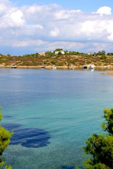 Free Lovely Coastline In Greece Royalty Free Stock Images - 3442889