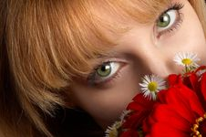 Free Green Eyes And Flowers Stock Photography - 3442952