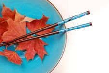 Free Blue Bowl With Chopsticks Royalty Free Stock Photography - 3443397