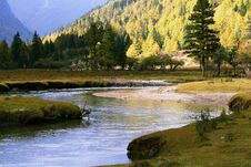 Free River Flow Among The Mountains Royalty Free Stock Photography - 3445947