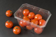 Free Cherry Tomatoes In Container Royalty Free Stock Photography - 3449227
