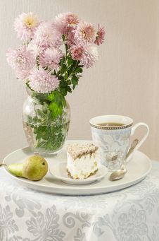 Ricotta And Pear Cake With Cup Of Tea Royalty Free Stock Image