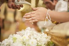 Hands Pouring Blessing Water Into Bride S Bands, Thai Wedding Ce Royalty Free Stock Photos
