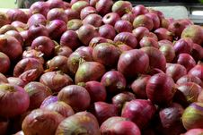 Free Onions On Sale Royalty Free Stock Images - 34409559