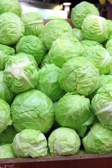 Free Cabbages On Sale Royalty Free Stock Photo - 34411005