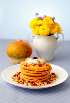 Free Pumpkin Pancakes Royalty Free Stock Photography - 34475127
