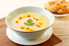 Free Cauliflower Soup Royalty Free Stock Photography - 34475247