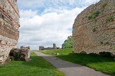 Free Ruins On The Landscape Royalty Free Stock Photography - 34475287