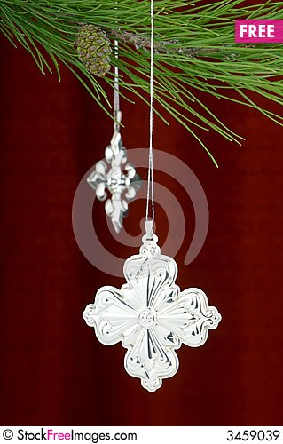 Free Silver Christmas Ornaments On Burgundy Background Royalty Free Stock Images - 3459039