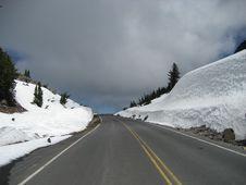 Free Road Through Crater Lake NP Royalty Free Stock Photos - 3450228