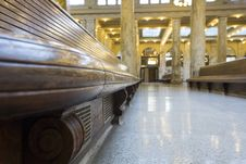 Free Train Station Waiting Area Royalty Free Stock Photos - 34532928