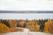 Free A Curving Highway Down To A Lake Royalty Free Stock Images - 34578869