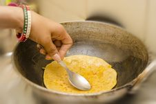 Free Frying Karai Prantha In Refined Oil Stock Photo - 34587690
