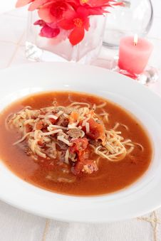 Free Tomatoe, Beef And Noodle Soup Stock Photography - 34599432