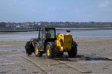Free Beach Digger Stock Image - 3460951