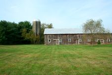Free Barn And Silo Royalty Free Stock Photography - 3464457