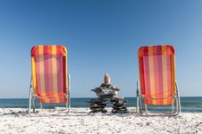 Free To Chairs At The Beach Royalty Free Stock Images - 34612209