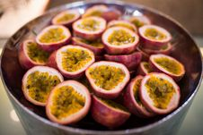 Free Ripe Passion Fruit Stock Photography - 34632232