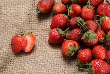 Free Strawberry Royalty Free Stock Photography - 34642237
