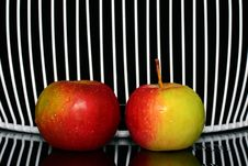 Free Two Apples Stock Photo - 34652120