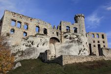 Castle Ruins In Ogrodziencu Royalty Free Stock Images